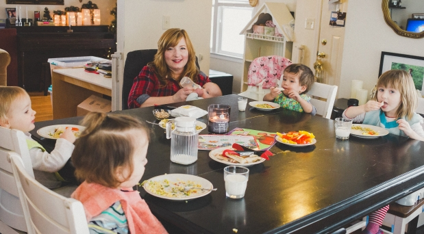 Let's Eat, Family-Style: 4 Benefits Beyond a Healthy Meal