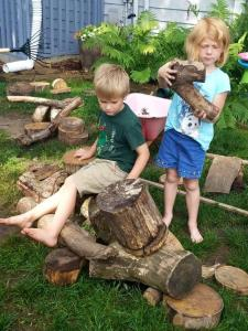Loose Parts: Building with Tree Branches Photo credit: Heidi Duren